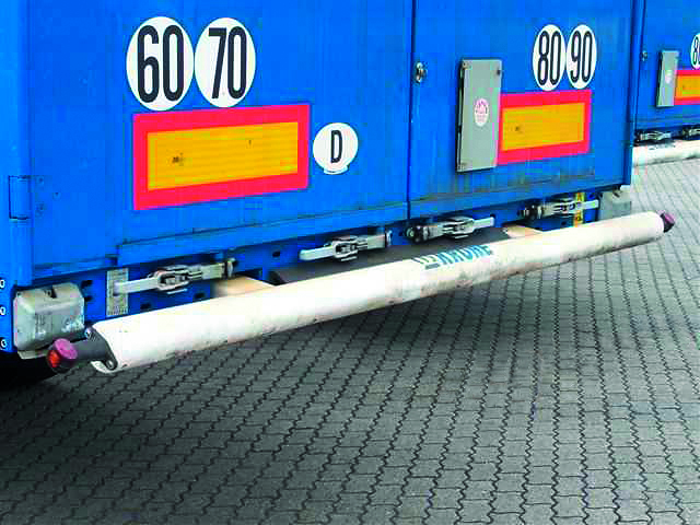 Bent side underride guard