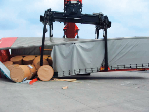 Accident caused by inadequate securing of load